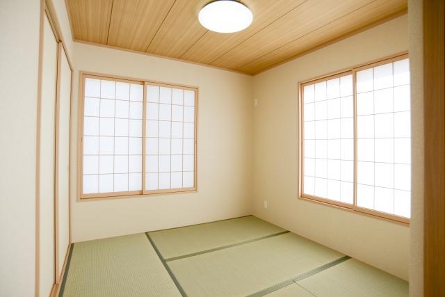 何も置かないシンプルな和室